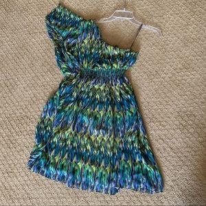 Muse one shoulder dress size 2